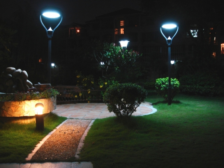5 best outdoor solar lights in 2017 aloadofball Choice Image